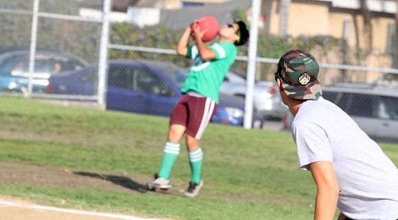 Pedro Vela-Diaz catches the ball.