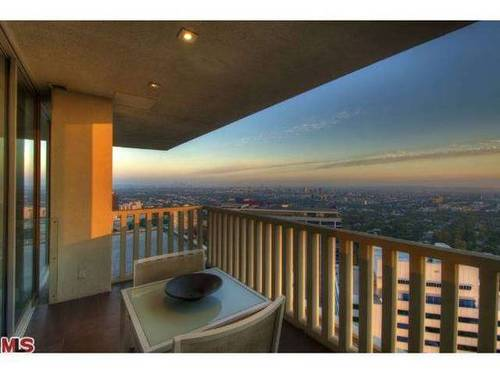 A condo with a ($4) million-dollar view.