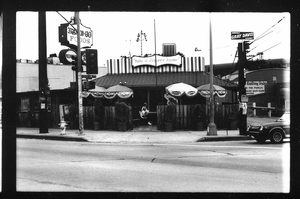 Red E Go Foods on the southeast corner of Santa Monica and Robertson Boulevards in 1982, soon to become Lisa Vanderpump's P.U.M.P.